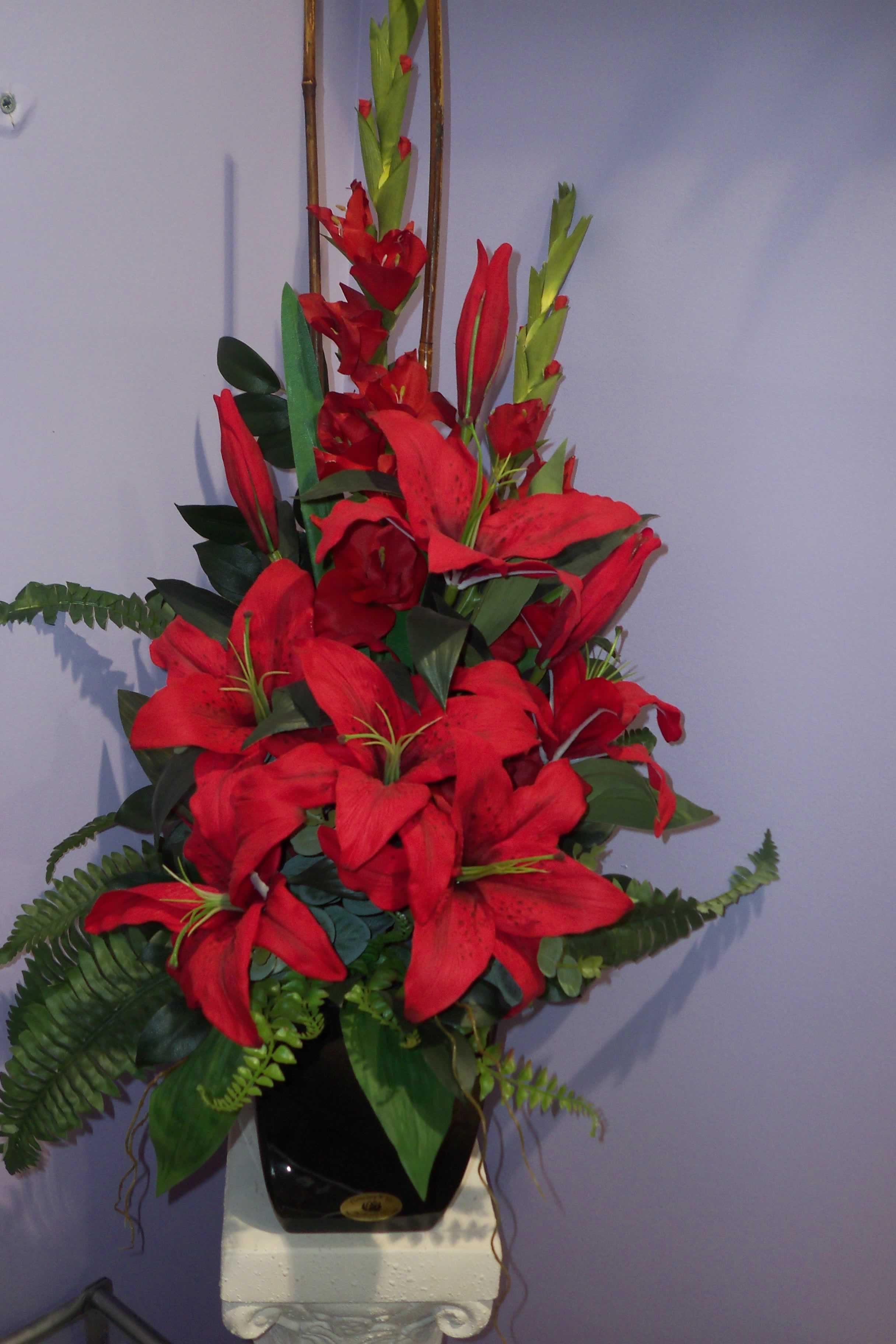 Silk red lilly stunning arrangement flowers r us silk red lilly stunning arrangement mightylinksfo