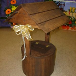 Wedding Brown Wishing Well For Hire - Wedding Hire - Flowers R Us